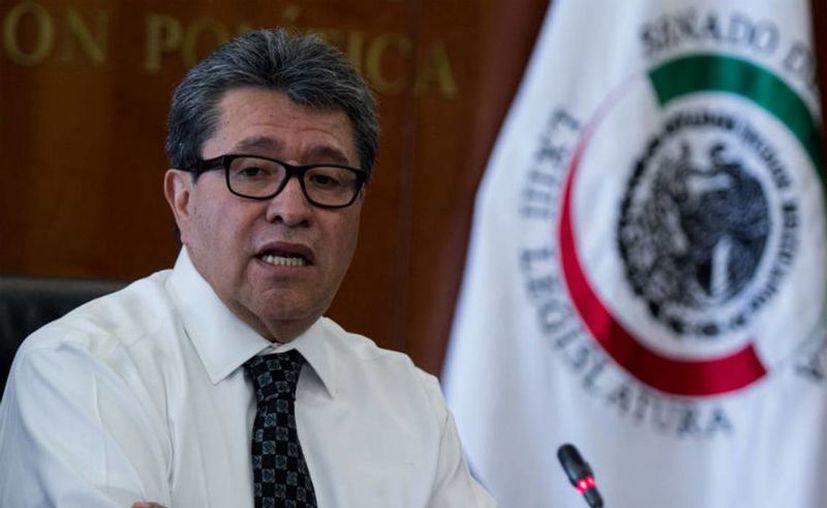 Ricardo Monreal, coordinador de los senadores de Morena dijo que su labor es legislar y la de AMLO será aprobarla o no. (20Minutos)