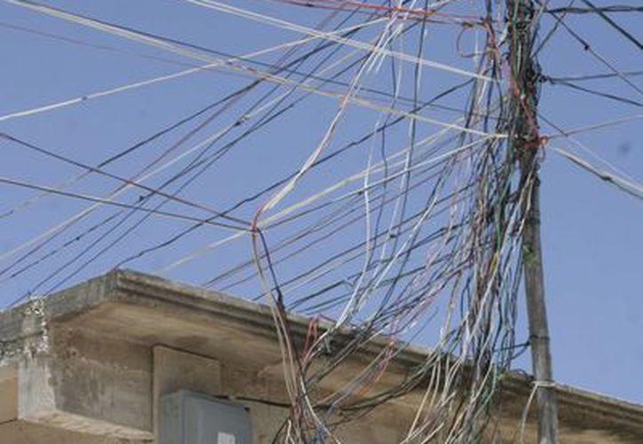 El robo de electricidad causa pérdidas económicas. (Tomás Álvarez/SIPSE)