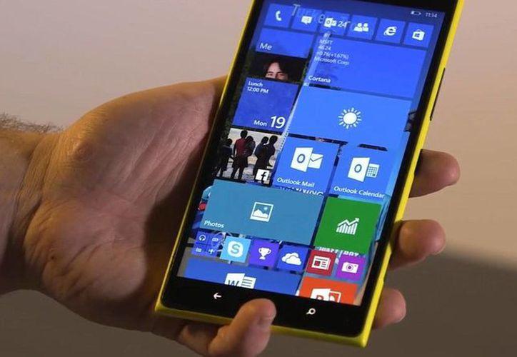 Microsoft perdió mucho terreno en smartphones y tabletas con los softwares de sus grandes rivales: Google y Apple. (winbeta.org)