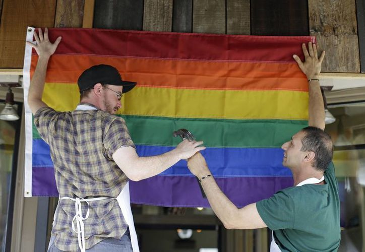 La Suprema Corte de Justicia de Estados Unidos declaró este miércoles inconstitucional la Ley de Defensa del Matrimonio  que prohíbe a los matrimonios del mismo sexo. (Agencias)
