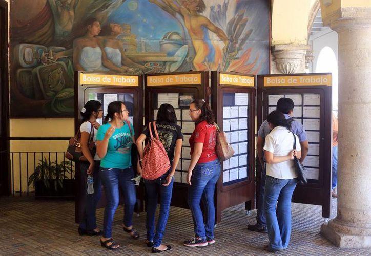 El número de trabajadores municipales implica un elevado gasto corriente para los ayuntamientos de Yucatán. (SIPSE)