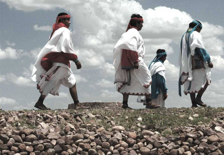 Imagen de un grupo de tarahumaras. (Archivo/EFE)