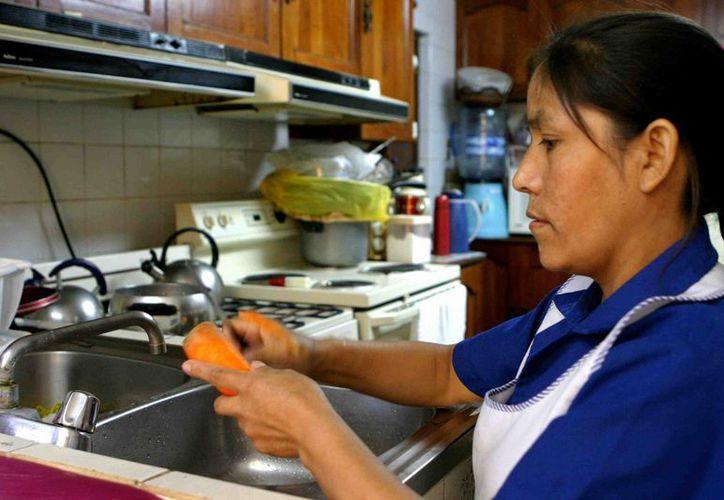 La Secretaría del Trabajo y Previsión Social contempla proponer regular el trabajo doméstico en México. (Foto: UNIMEDIOS)
