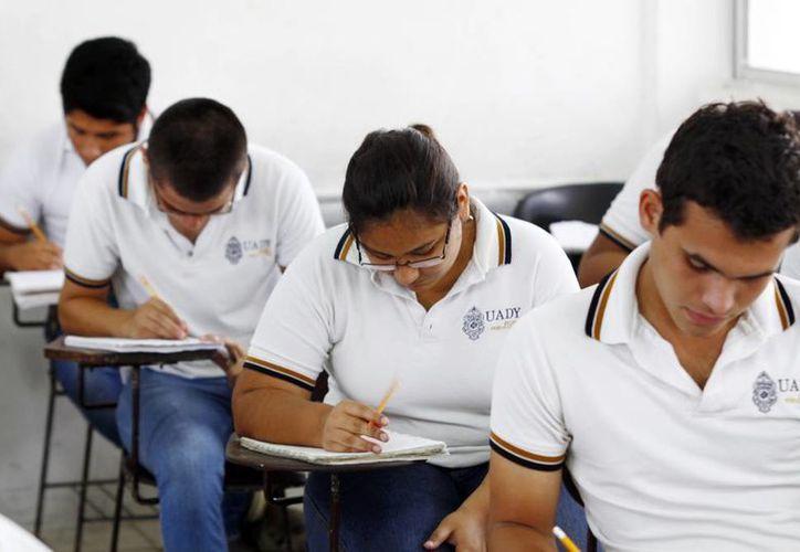 Las preparatorias de la Universidad Autónoma de Yucatán fortalecerán la calidad de la enseñanza que imparten. (SIPSE)