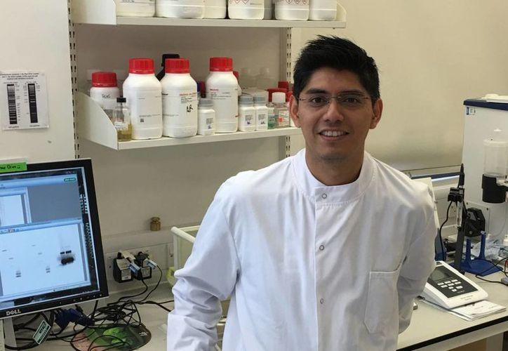 Una universidad británica financió el estudio del doctor López Camacho sobre la vacuna contra el zika, para lo cual se basó en estudios previos sobre el dengue. (Agencia Informativa Conacyt)