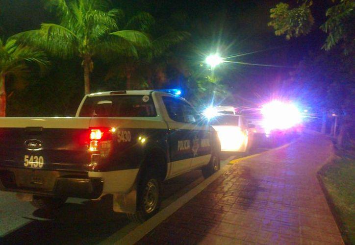 Una mujer fue atacada por un hombre cuando corría en la ciclopista de la zona hotelera de Cancún. (Eric Galindo/SIPSE)