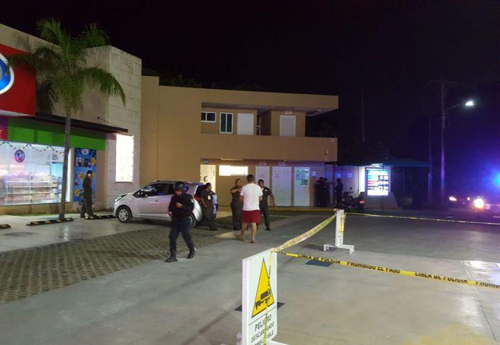 En el lugar arribaron elementos de la Policía Municipal, quienes tras entrevistarse con los afectados, realizaron un operativo de búsqueda que terminó en una persecución por la zona. (SIPSE)