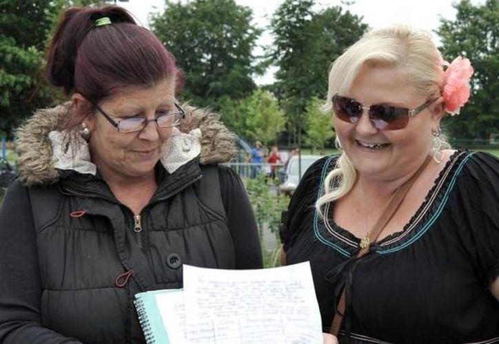Organizaciones feministas insisten en que debe utilizarse 'Madre 1 y Madre 2' en los formularios escolares. (Imagen de referencia/cambstimes.co.uk)