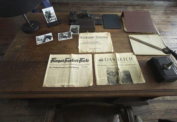 Imagen de la oficina del industrial Oskar Schindler (1908-1974), en su fábrica de Cracovia. (Archivo/EFE)