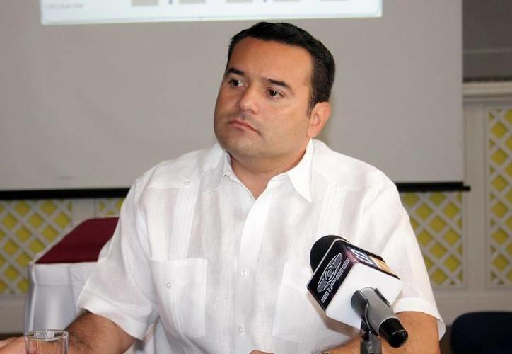 La mejora en los servicios públicos seguirá siendo la prioridad en la administración local, a fin de que los meridanos se sientan más cómodos y seguros en el lugar donde viven, expresó el alcalde Renán Barrera.