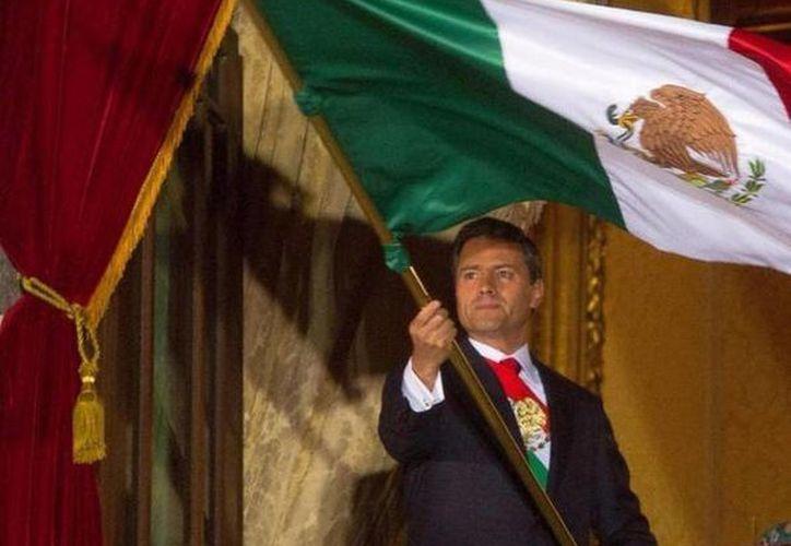 Peña Nieto 'adelantó' el Grito de Independencia en su cuenta de Twitter. (Twitter.com/@xeuradio)