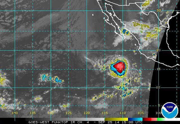 Debido a la tormenta Raquel se esperan lluvias fuertes en sitios de Baja California Sur, Colima y Michoacán. (ssd.noaa.gov)