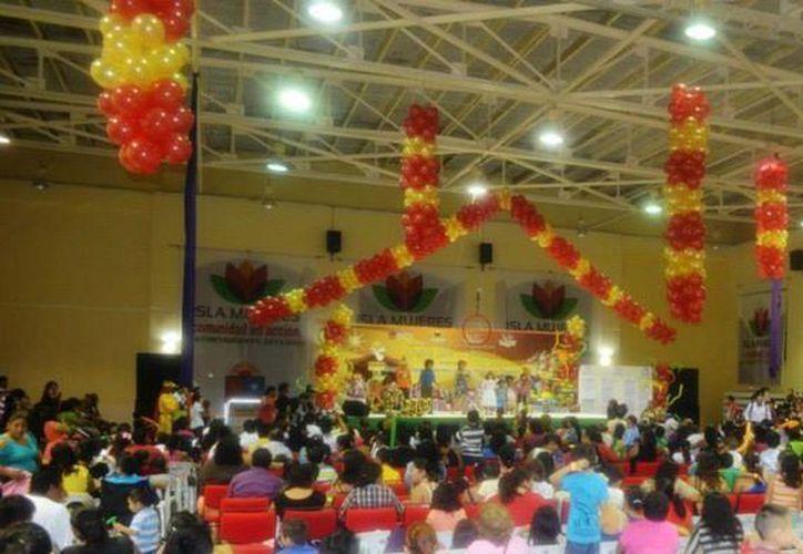 Preparan coloridos y divertidos festivales para agasajar a todas las familias. (Cortesía/SIPSE)