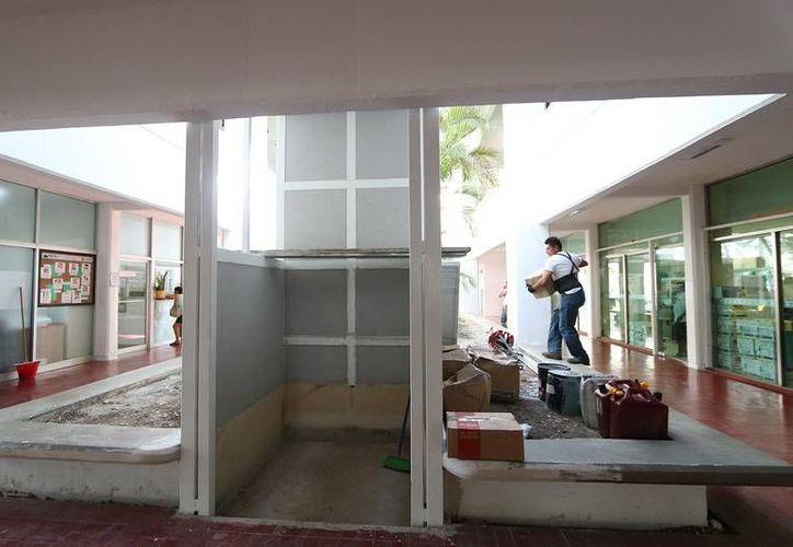 El elevador será instalado este mes en el Ayuntamiento de Cozumel. (Cortesía)