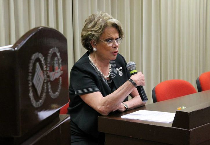 Virginia Sendel, presidenta de la fundación Micho y Mau anunció una campaña preventiva. (SIPSE)
