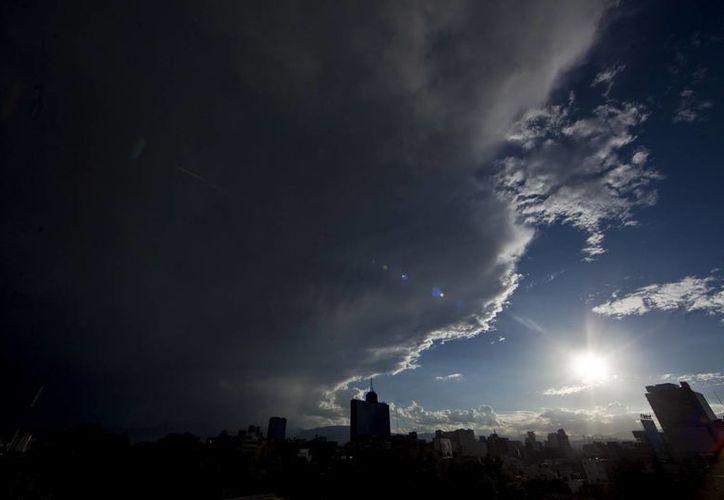 Hay altas probabilidades de lluvias para los estados del Centro de la República. (Notimex/Archivo)
