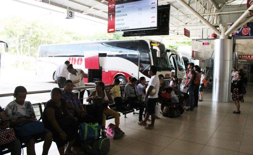 Autobuses de Oriente implementa más corridas para atender la demanda. (Adrián Barreto/SIPSE)