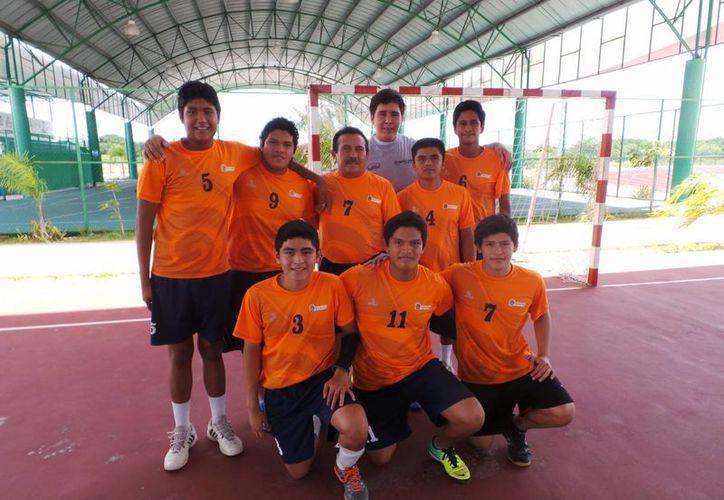 El equipo de la Liga Municipal de Handball, Stingray, comparte la cima con la escuadra Premier. (Redacción/SIPSE)