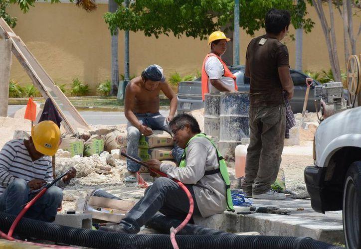 La propuesta para la reforma de ley busca que haya un sólo salario mínimo para toda la República mexicana. (Victoria González/SIPSE)