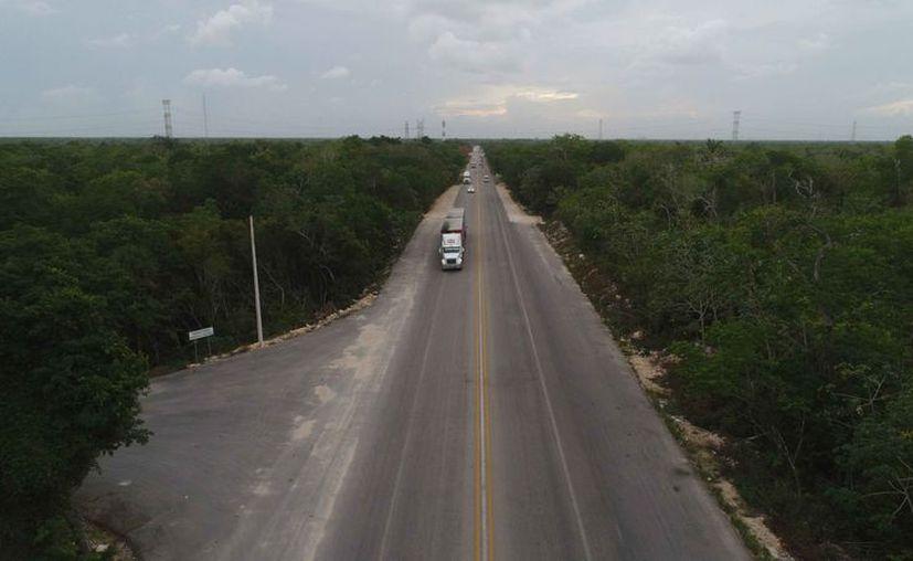 Aseguran que el tramo alterno Valladolid-Tulum es más corto. (Redacción/SIPSE)