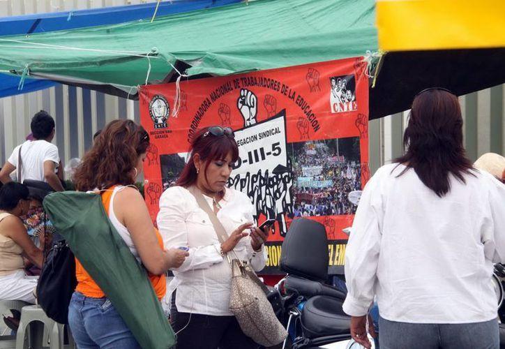 El Gobernador de Oaxaca descarta el uso de la fuerza pública ante la amenaza de profesores de la sección 22 del SNTE de continuar sus protestas en apoyo a los maestros de Guerrero.  (Archivo Notimex)
