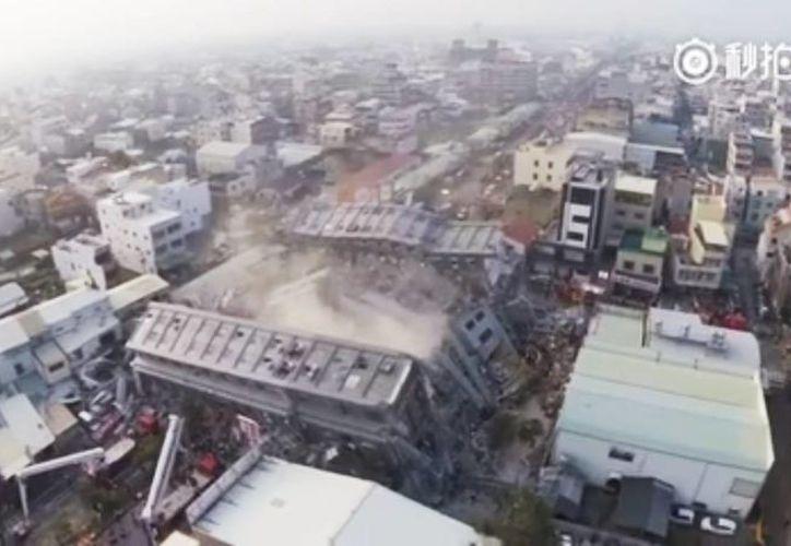 El controlador de un dron realizó un vuelo para revelar las dimensiones del desastre. (Captura de pantalla)