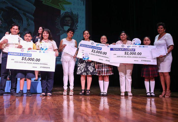 Realizan Concurso Municipal de Interpretación del Himno Nacional Mexicano de escuelas de educación primaria en Playa del Carmen. (Redacción/SIPSE)