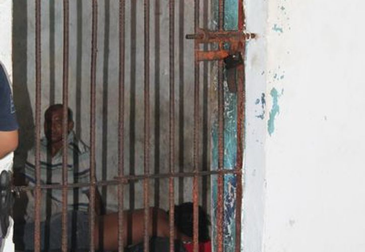 Los detenidos en estado de ebriedad y con mal comportamiento pasaron la Navidad tras las rejas. (Juan Carlos Gómez/SIPSE)