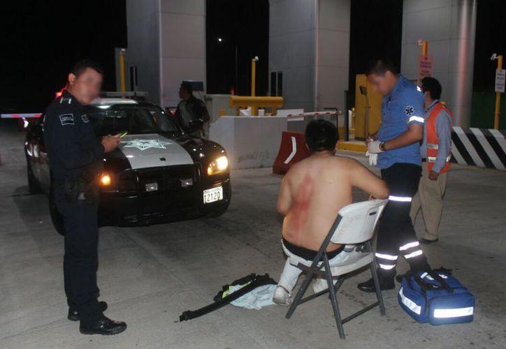 El trabajador fue lesionado en la espalda con una navaja, en el caseta de cobro. (Foto: Redacción/SIPSE)