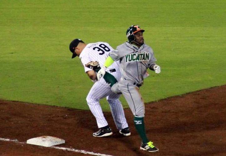 Leones de Yucatán cayeron 0x5 ante Vaqueros de Laguna en el estadio Kukulcán Álamo. (Milenio Novedades)