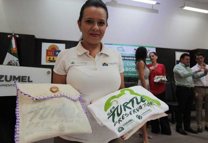Los turistas de crucero que contribuyan con la protección de la tortuga marina obtendrán un kit de regalo. (Gustavo Villegas/SIPSE)