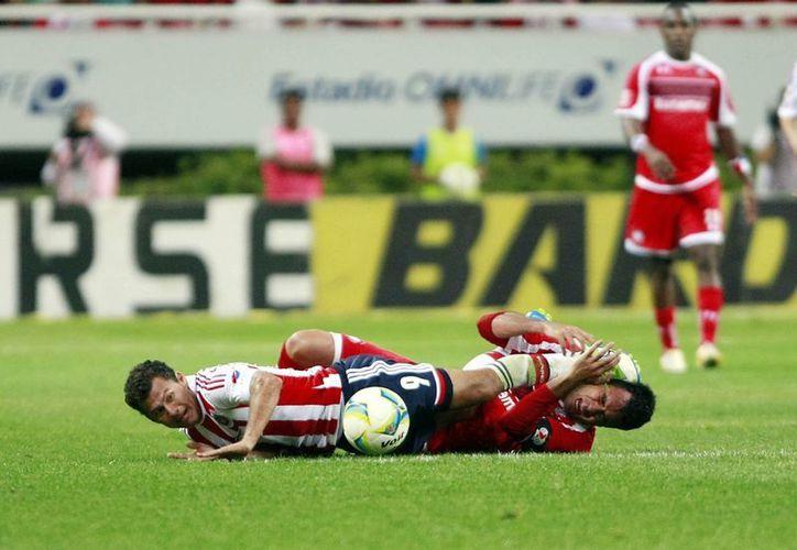Imagen del partido que disputaron Chivas y Toluca, en Guadalajara. (Notimex)