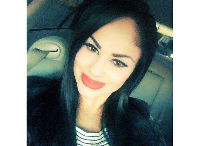 La conductora América Maribel Alva Larrazolo, de 27 años, quien trabajaba en  la televisión por cable de Ciudad Juárez fue asesinada frente a su hijo de 7 años de edad.- (Facebook)
