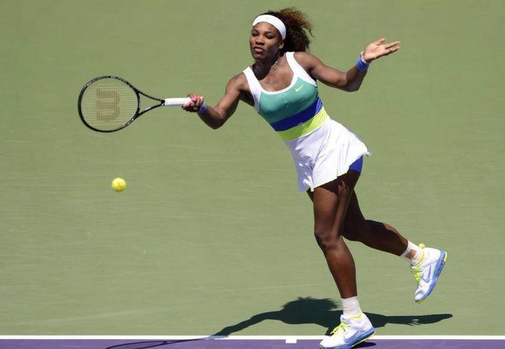 Serena Williams reacciona con firmeza y logra el título. (EFE/Archivo)