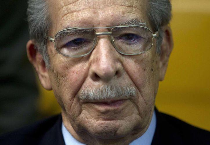 Ríos Montt confía en las argucias de sus abogados para conseguir la amnistía. (EFE)