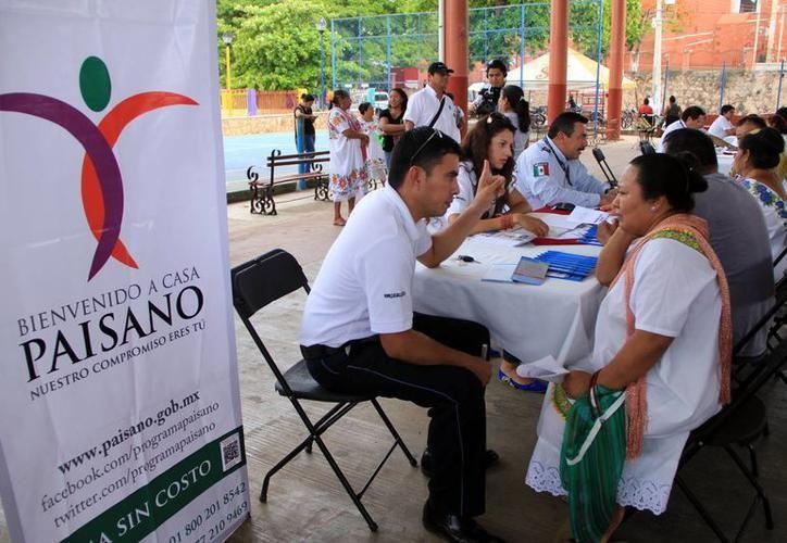 Durante el operativo, el INM pone a disposición de los visitantes la Guía Paisano Verano 2018. (José Acosta/Milenio Novedades)