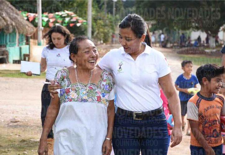 La alcaldesa trata de conseguir más recursos para la zona maya. (Joel Zamora/SIPSE)