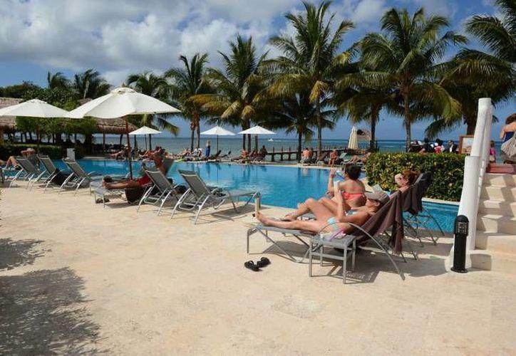 La ocupación alcanzó 90 por ciento de tres mil 250 habitaciones en centros de hospedaje afiliados a la Asociación de Hoteles de Cozumel. (Archivo/SIPSE)