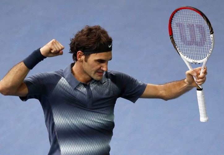 Federer doblegó a Del Potro 6-3, 4-6, 6-3, dejándolo fuera del torneo Masters de París. (Agencias)