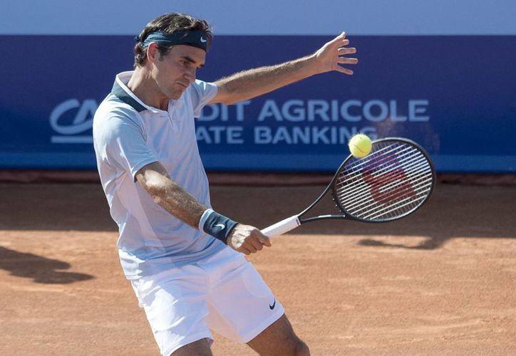 Daniel Brands se impuso a Federer (foto) en dos sets y 55 minutos. (Agencias)