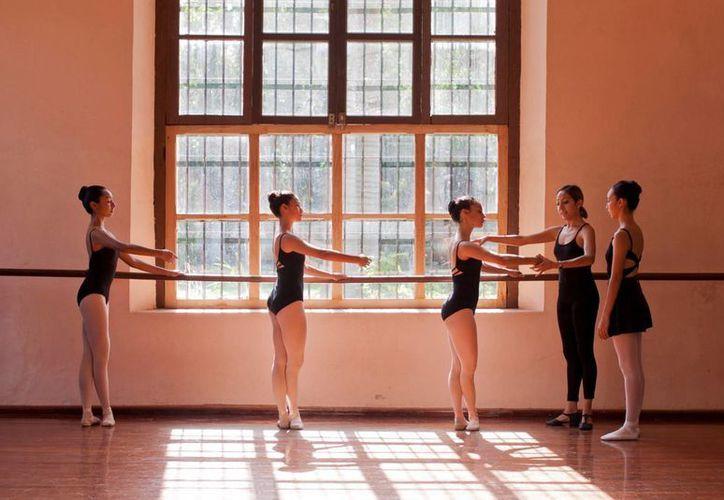 El área de Danza Clásica ofrecerá cursos para futuros maestros. (Milenio Novedades)