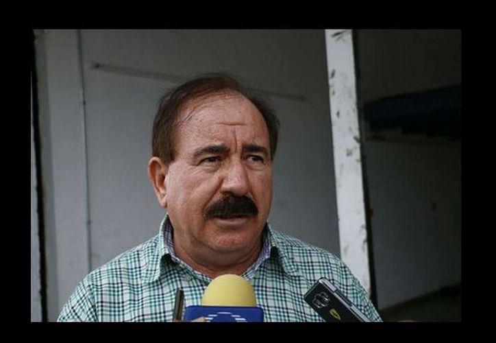 Felipe Capitaine es papá de Enrique Capitaine, que fue acusado de abusar sexualmente de Daphne. (Isabel Zamudio/Milenio)