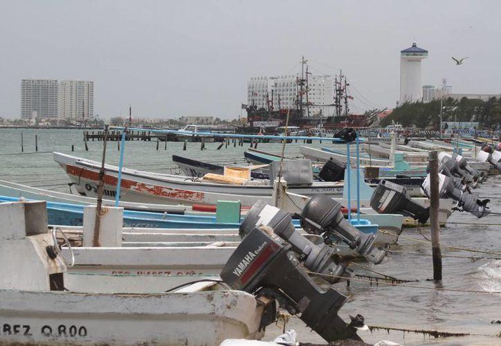 Capitanía de Puerto Juárez cerró el puerto a embarcaciones menores a 14 pies de eslora. (Sergio Orozco/SIPSE)