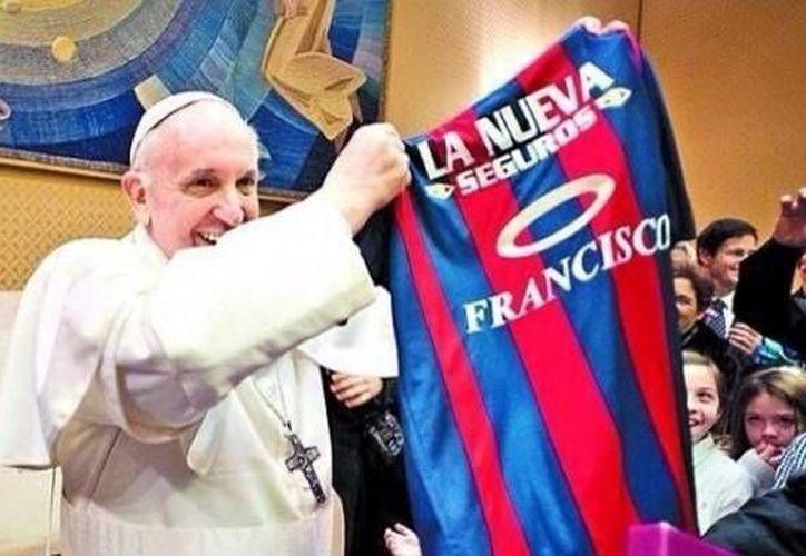 Algunos jugadores del San Lorenzo viajarán a Roma para llevarle la Copa al Papa. (Agencias)