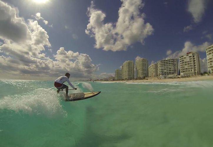 El Torneo Invierno y Estatal de la disciplina se llevó a cabo en las playas cancunenses. (Ángel Mazariego/SIPSE)