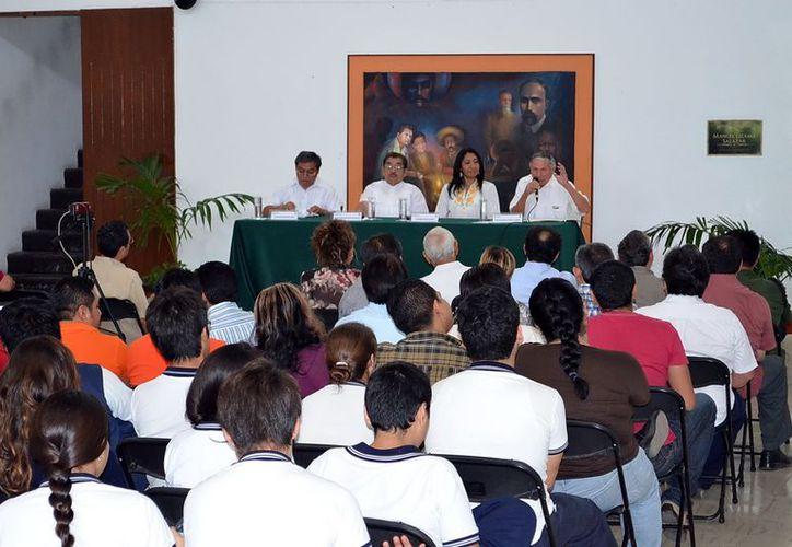"""En el Secay se realizó el coloquio """"Los Mayas tienen la Palabra"""". (Theani Ruz/SIPSE)"""
