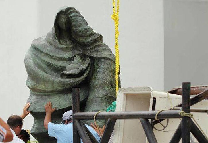 La Virgen del Caracol, que pesa 500 kilos y mide 3.5  medio metros, será sumergida frente a la Bahía de Punta Esmeralda.  (Redacción/SIPSE)