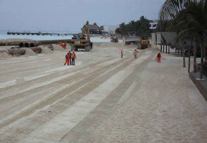 Así lucían los arenales durante la recuperación de playas en 2010. (Redacción/SIPSE)