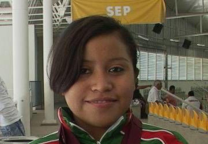Diana Chay Dzul, de Valladolid, que ganó tres oros en 48 kgs. (Milenio Novedades)