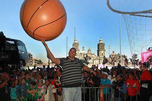 ¡Y encesta! Inician juegos de NBA en México